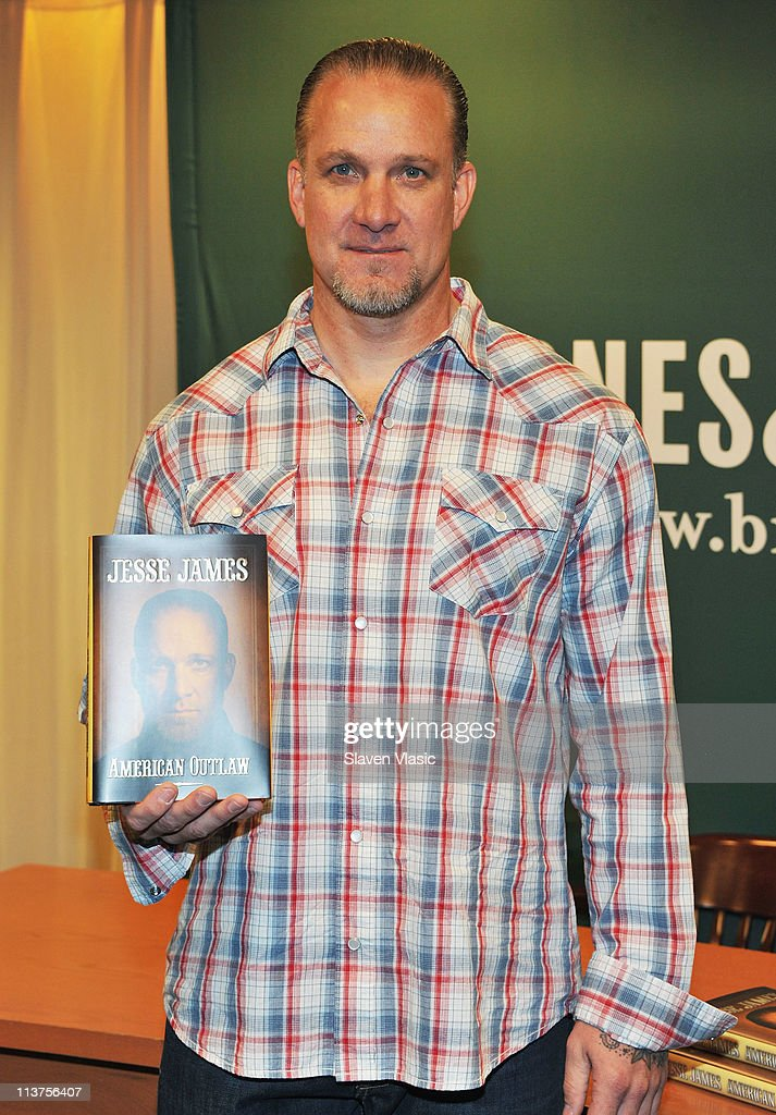 """Jesse James Signs Copies Of """"American Outlaw"""" 
