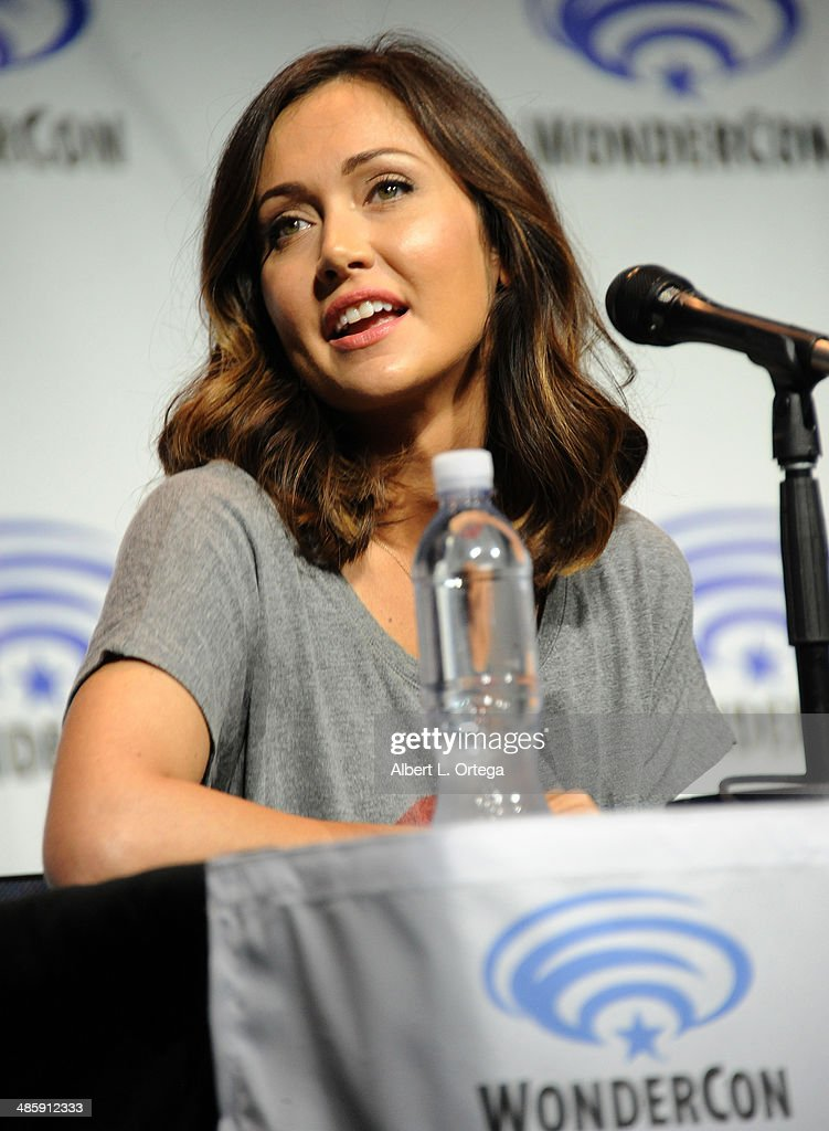 TV personality <a gi-track='captionPersonalityLinkClicked' href=/galleries/search?phrase=Jessica+Chobot&family=editorial&specificpeople=4862448 ng-click='$event.stopPropagation()'>Jessica Chobot</a> attends WonderCon Anaheim 2014 - Day 3 held at Anaheim Convention Center on April 20, 2014 in Anaheim, California.