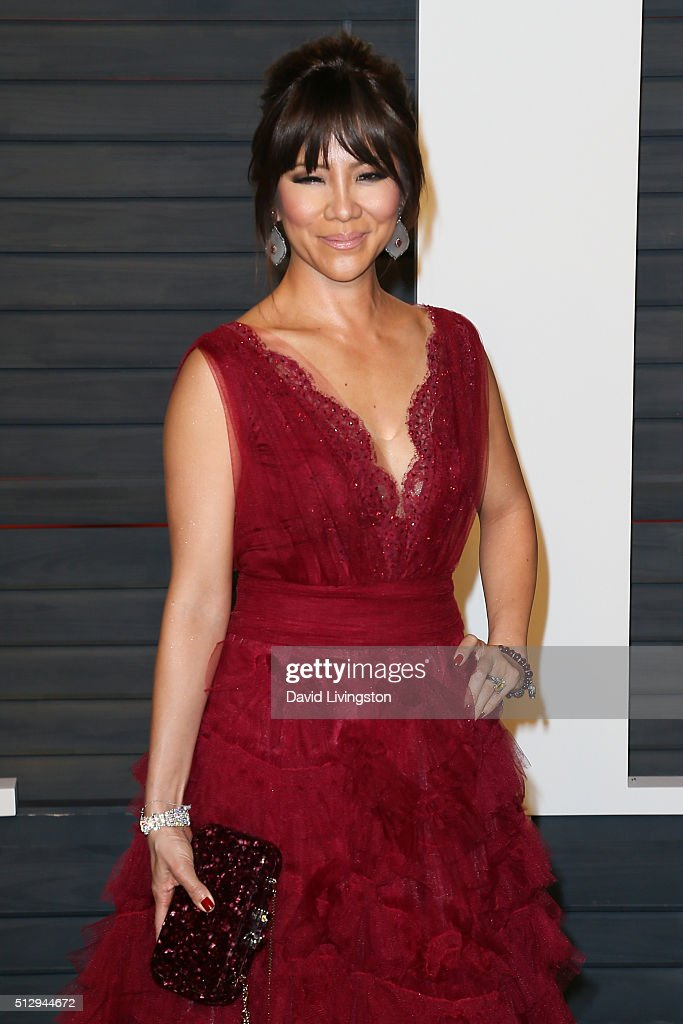TV personality Julie Chen arrives at the 2016 Vanity Fair Oscar Party Hosted by Graydon Carter at the Wallis Annenberg Center for the Performing Arts on February 28, 2016 in Beverly Hills, California.