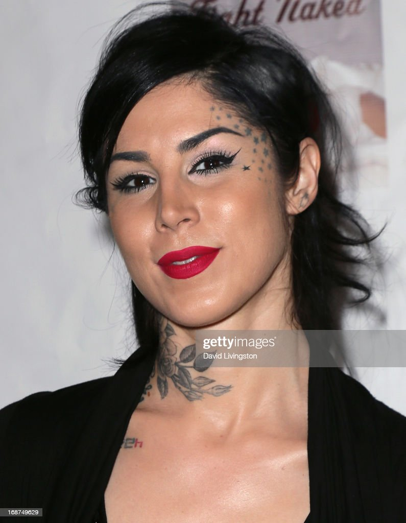 TV personality <a gi-track='captionPersonalityLinkClicked' href=/galleries/search?phrase=Kat+Von+D&family=editorial&specificpeople=542668 ng-click='$event.stopPropagation()'>Kat Von D</a> attends a Niecy Nash signing for her book 'It's Hard to Fight Naked' at the Luxe Rodeo Drive Hotel on May 14, 2013 in Beverly Hills, California.