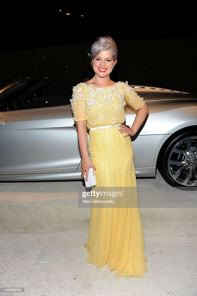 TV Personality Kelly Osbourne arrives at Audi Arrivals at 20th annual Elton John AIDS Foundation Academy Awards viewing party on February 26, 2012 in Beverly Hills, California.