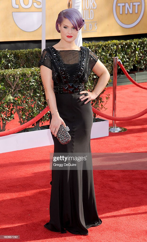 TV personality Kelly Osbourne arrives at the 19th Annual Screen Actors Guild Awards at The Shrine Auditorium on January 27, 2013 in Los Angeles, California.