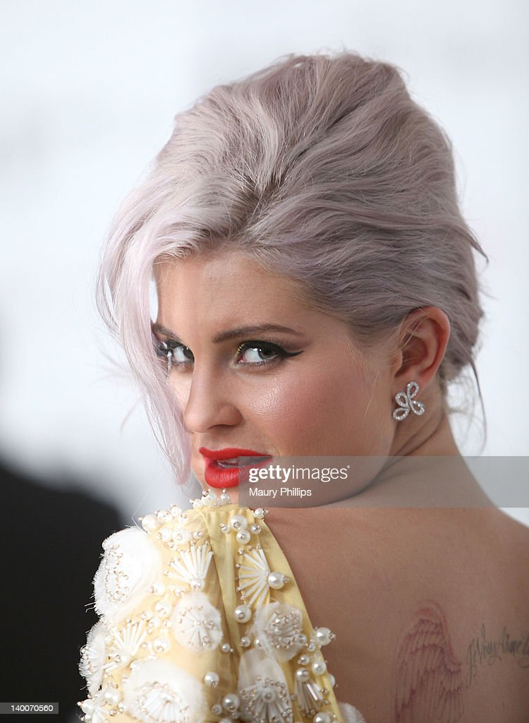 TV Personality Kelly Osbourne arrives at the 20th Annual Elton John AIDS Foundation Academy Awards Viewing Party at Pacific Design Center on February 26, 2012 in West Hollywood, California.