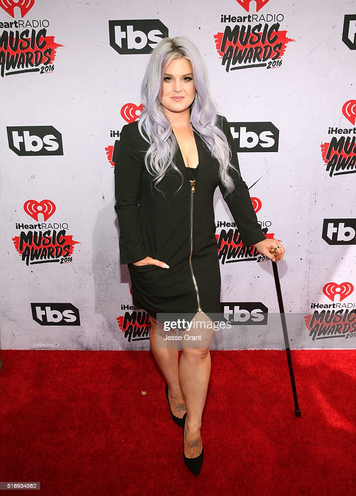 personality-kelly-osbourne-attends-the-iheartradio-music-awards-at-picture-id518934562