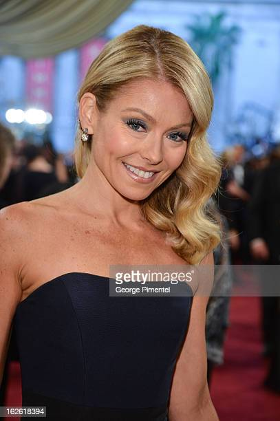 TV personality Kelly Ripa arrive at the Oscars at Hollywood Highland Center on February 24 2013 in Hollywood California at Hollywood Highland Center...