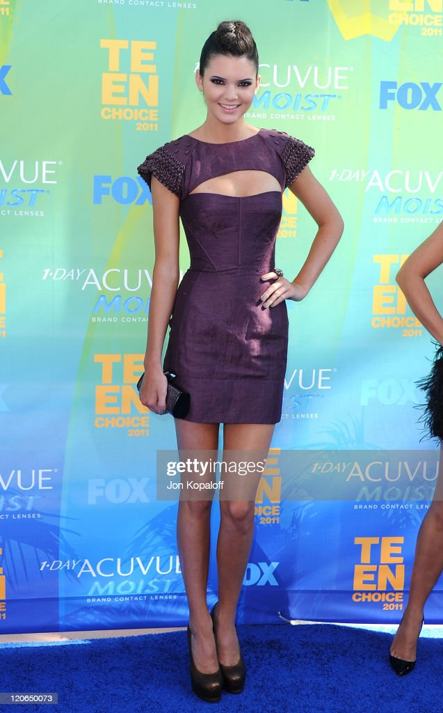 TV personality <a gi-track='captionPersonalityLinkClicked' href=/galleries/search?phrase=Kendall+Jenner&family=editorial&specificpeople=2786662 ng-click='$event.stopPropagation()'>Kendall Jenner</a> arrives at the 2011 Teen Choice Awards held at Gibson Amphitheatre on August 7, 2011 in Universal City, California.