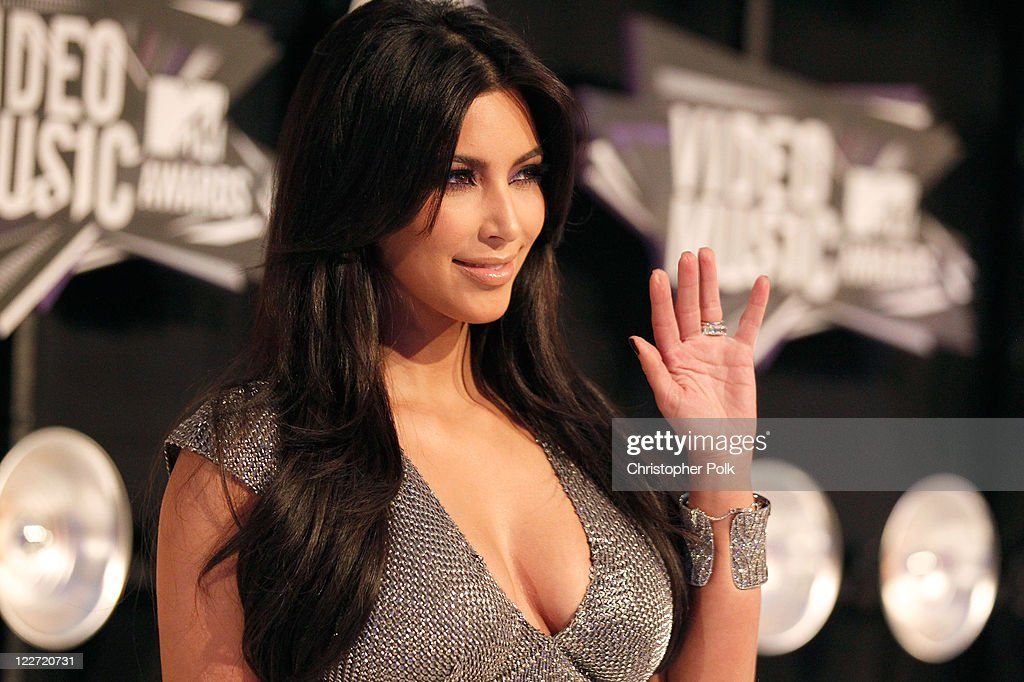 TV Personality Kim Kardashian arrives at the 2011 MTV Video Music Awards at Nokia Theatre L.A. LIVE on August 28, 2011 in Los Angeles, California.