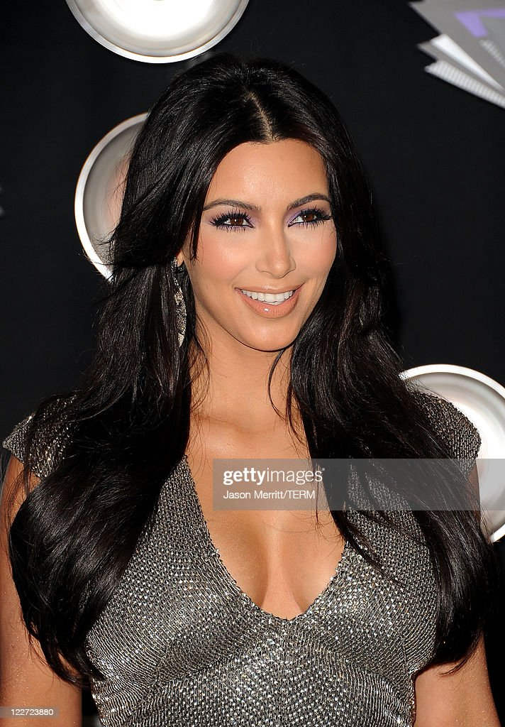 TV personality <a gi-track='captionPersonalityLinkClicked' href=/galleries/search?phrase=Kim+Kardashian&family=editorial&specificpeople=753387 ng-click='$event.stopPropagation()'>Kim Kardashian</a> arrives at the 2011 MTV Video Music Awards at Nokia Theatre L.A. LIVE on August 28, 2011 in Los Angeles, California.