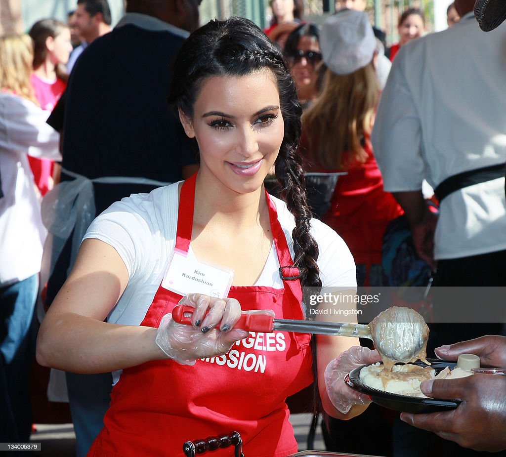Celebs serve holiday meals at the L.A. Mission