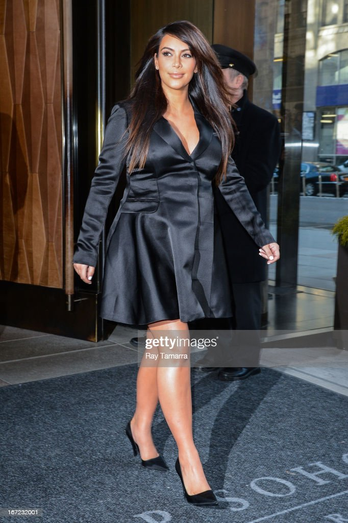 TV personality <a gi-track='captionPersonalityLinkClicked' href=/galleries/search?phrase=Kim+Kardashian&family=editorial&specificpeople=753387 ng-click='$event.stopPropagation()'>Kim Kardashian</a> leaves her Soho hotel on April 22, 2013 in New York City.