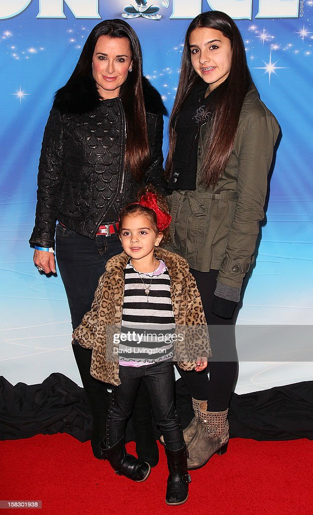 TV personality Kyle Richards (L) and daughters Portia Umansky (C) and Sophia Umansky (R) attend the opening night of Disney On Ice's 'Dare To Dream' at LA Kings Holiday Ice at L.A. LIVE on December 12, 2012 in Los Angeles, California.