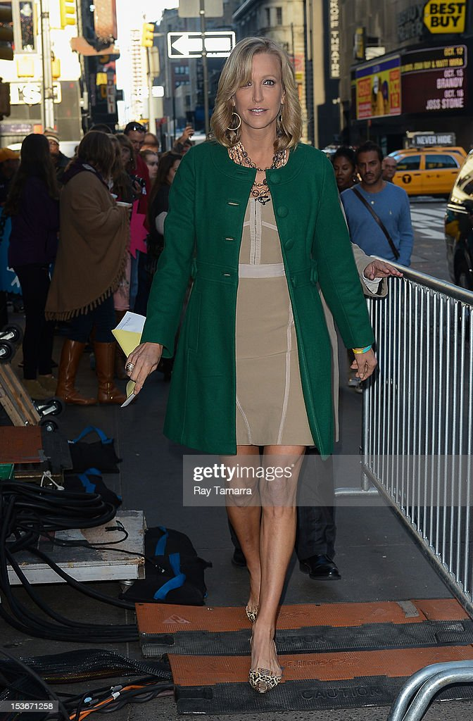TV personality Lara Spencer enters the 'Good Morning America' taping at the ABC Times Square Studios on October 7, 2012 in New York City.