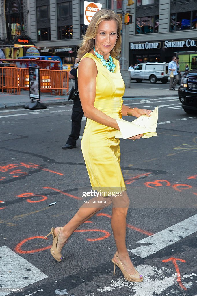 TV personality Lara Spencer enters the 'Good Morning America' taping at the ABC Times Square Studio on August 21, 2013 in New York City.