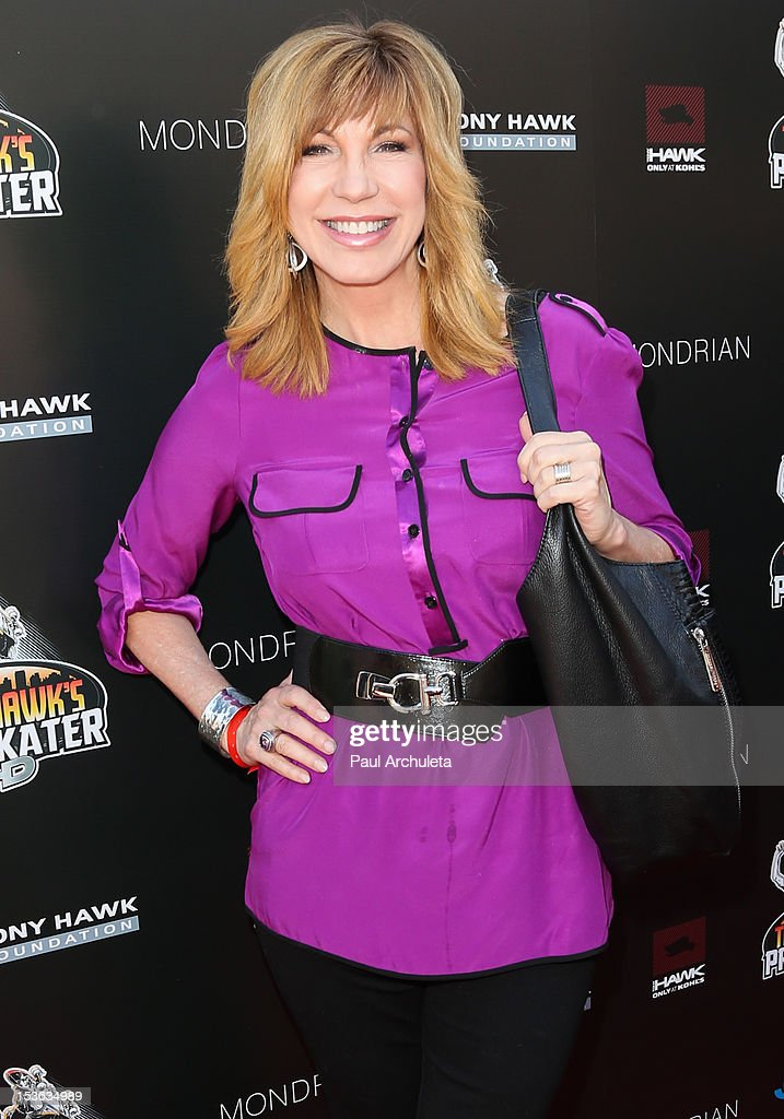 TV Personality <a gi-track='captionPersonalityLinkClicked' href=/galleries/search?phrase=Leeza+Gibbons&family=editorial&specificpeople=217241 ng-click='$event.stopPropagation()'>Leeza Gibbons</a> attends the 9th annual Stand Up For Skateparks benefit at Ron Burkle's Green Acres Estate on October 7, 2012 in Beverly Hills, California.