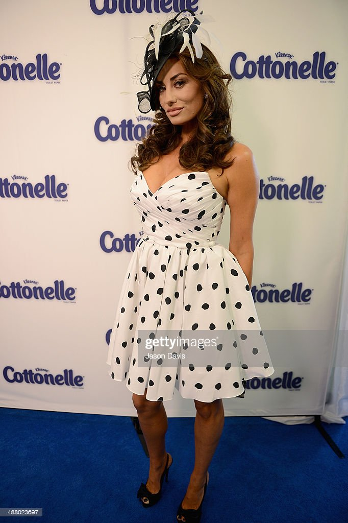 TV personality <a gi-track='captionPersonalityLinkClicked' href=/galleries/search?phrase=Lizzie+Rovsek&family=editorial&specificpeople=12539399 ng-click='$event.stopPropagation()'>Lizzie Rovsek</a> attends Cottonelle Celebrity 'Clean Room' at the 140th Kentucky Derby at Churchill Downs on May 3, 2014 in Louisville, Kentucky.