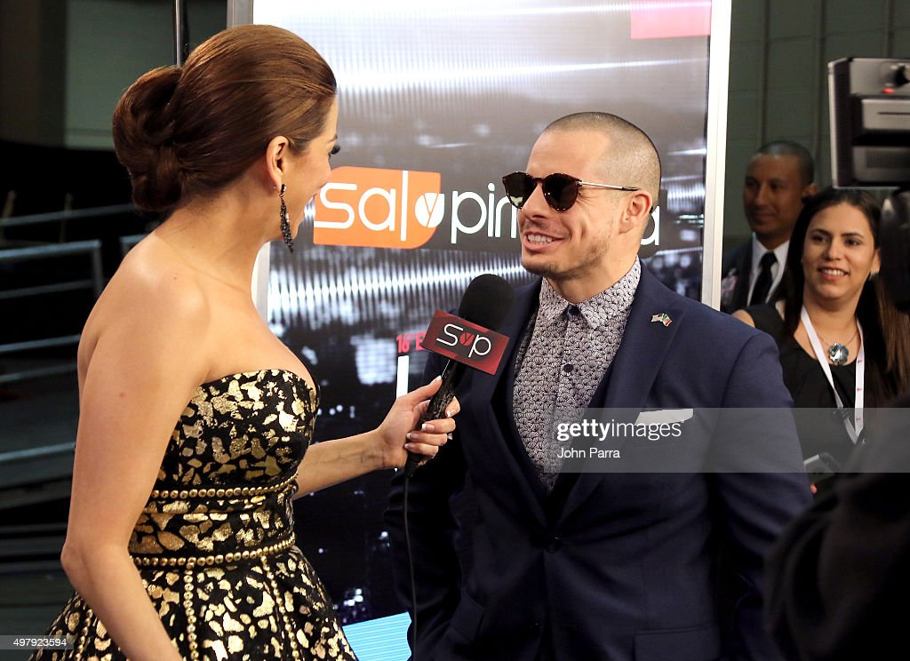 TV personality Lourdes Stephen (L) and Casper Smart attend the 16th Latin GRAMMY Awards at the MGM Grand Garden Arena on November 19, 2015 in Las Vegas, Nevada.