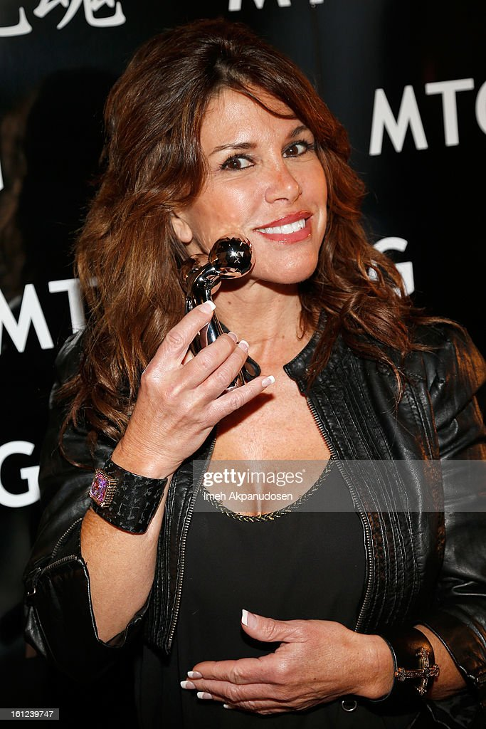 TV personality Lynne Curtin attends the GRAMMY Gift Lounge during the 55th Annual GRAMMY Awards at STAPLES Center on February 9, 2013 in Los Angeles, California.