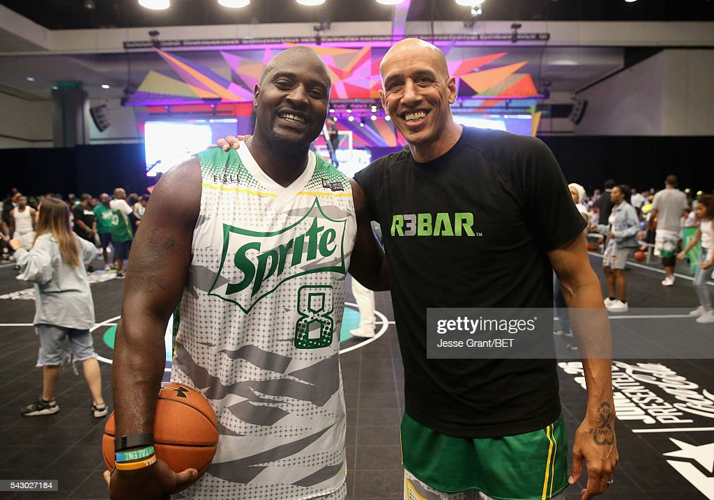 TV personality Marcellus Williams (L) and ex-NBA player <a gi-track='captionPersonalityLinkClicked' href=/galleries/search?phrase=Doug+Christie&family=editorial&specificpeople=201627 ng-click='$event.stopPropagation()'>Doug Christie</a> participate in the celebrity basketball game presented by Sprite during the 2016 BET Experience on June 25, 2016 in Los Angeles, California.