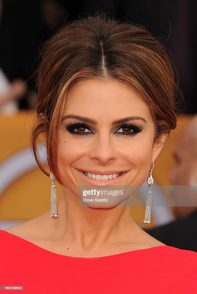 TV personality Maria Menounos arrives at the 19th Annual Screen Actors Guild Awards held at The Shrine Auditorium on January 27, 2013 in Los Angeles, California.