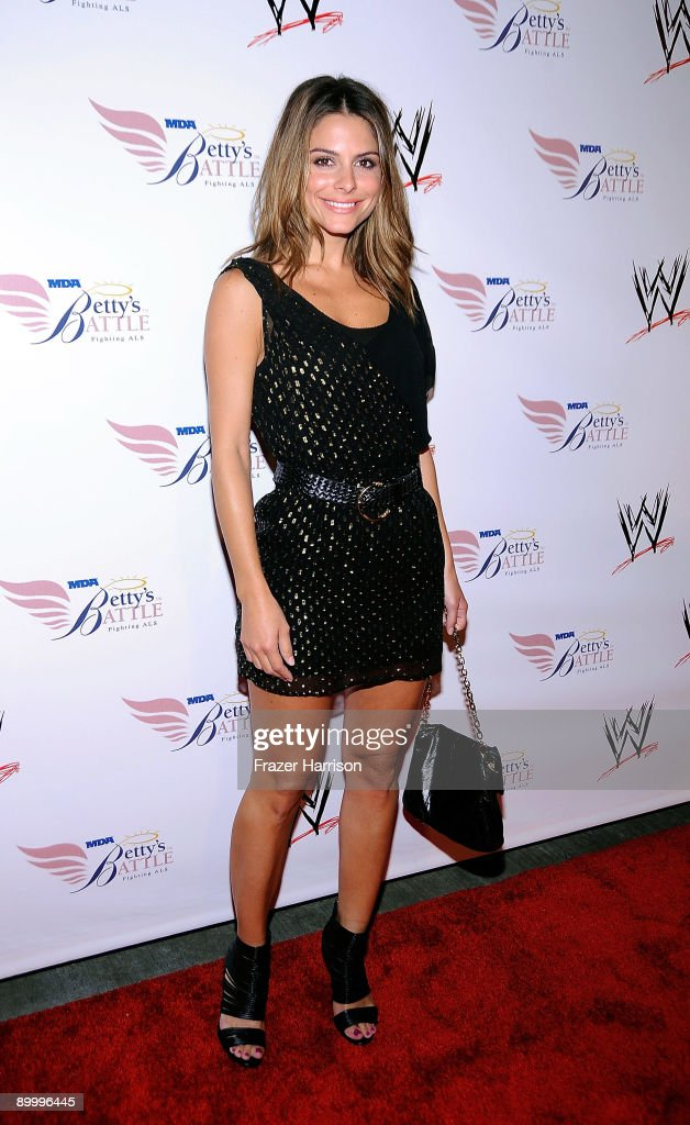 TV Personality Maria Menounos arrives at the WWE's SummerSlam Kickoff Party at H-Wood Club on August 21, 2009 in Hollywood, California.