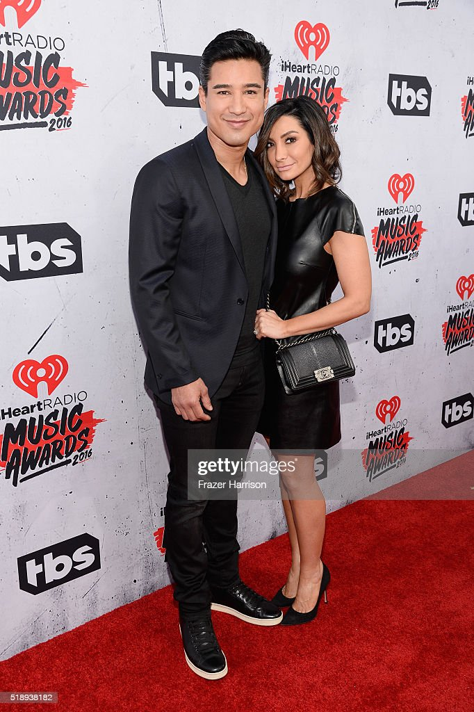 personality-mario-lopez-and-courtney-laine-mazza-attend-the-music-picture-id518938182