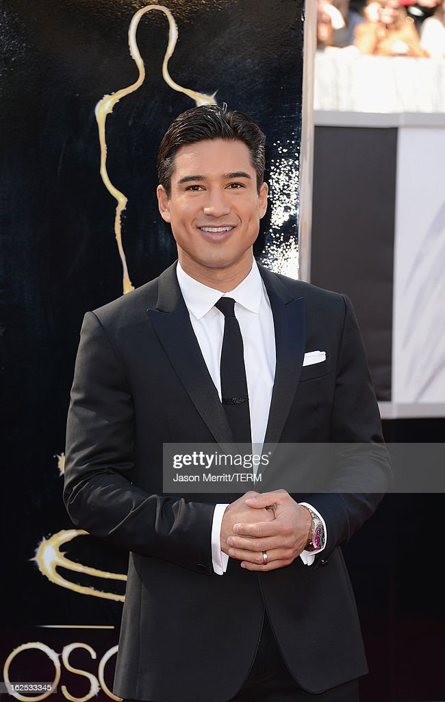 TV personality Mario Lopez attends the Oscars at Hollywood & Highland Center on February 24, 2013 in Hollywood, California.
