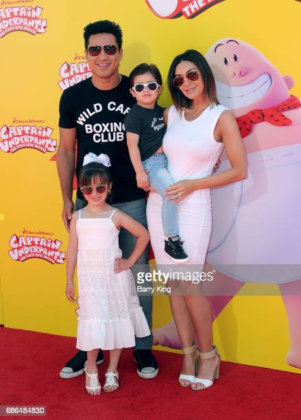 TV personality Mario Lopez daughter Gia Francesca Lopez son Dominic Lopez and wife Courtney Laine Mazza attend the premiere of DreamWorks Animation...