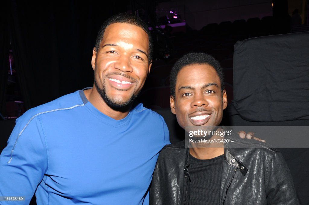 TV personality <a gi-track='captionPersonalityLinkClicked' href=/galleries/search?phrase=Michael+Strahan&family=editorial&specificpeople=210563 ng-click='$event.stopPropagation()'>Michael Strahan</a> (L) and actor <a gi-track='captionPersonalityLinkClicked' href=/galleries/search?phrase=Chris+Rock&family=editorial&specificpeople=202982 ng-click='$event.stopPropagation()'>Chris Rock</a> attend Nickelodeon's 27th Annual Kids' Choice Awards held at USC Galen Center on March 29, 2014 in Los Angeles, California.