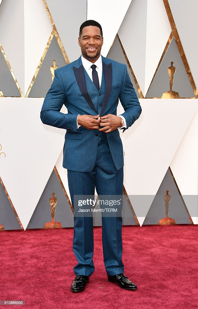 TV personality <a gi-track='captionPersonalityLinkClicked' href=/galleries/search?phrase=Michael+Strahan&family=editorial&specificpeople=210563 ng-click='$event.stopPropagation()'>Michael Strahan</a> attends the 88th Annual Academy Awards at Hollywood & Highland Center on February 28, 2016 in Hollywood, California.