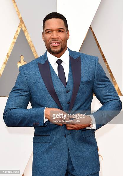 TV personality Michael Strahan attends the 88th Annual Academy Awards at Hollywood Highland Center on February 28 2016 in Hollywood California