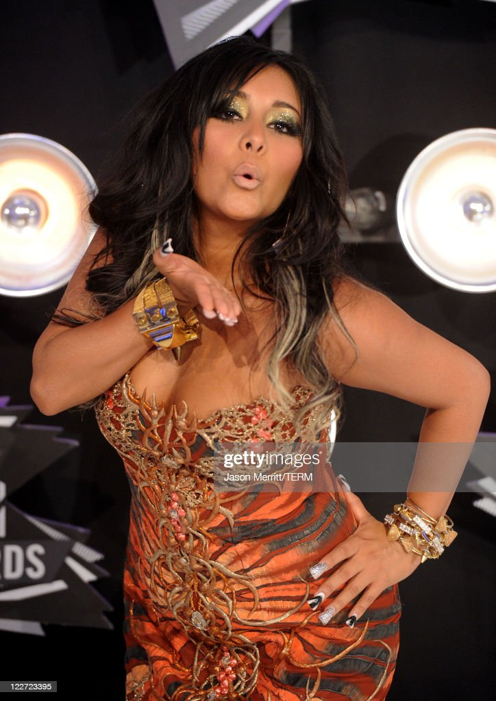 TV personality Nicole 'Snooki' Polizzi arrives at the 2011 MTV Video Music Awards at Nokia Theatre L.A. LIVE on August 28, 2011 in Los Angeles, California.