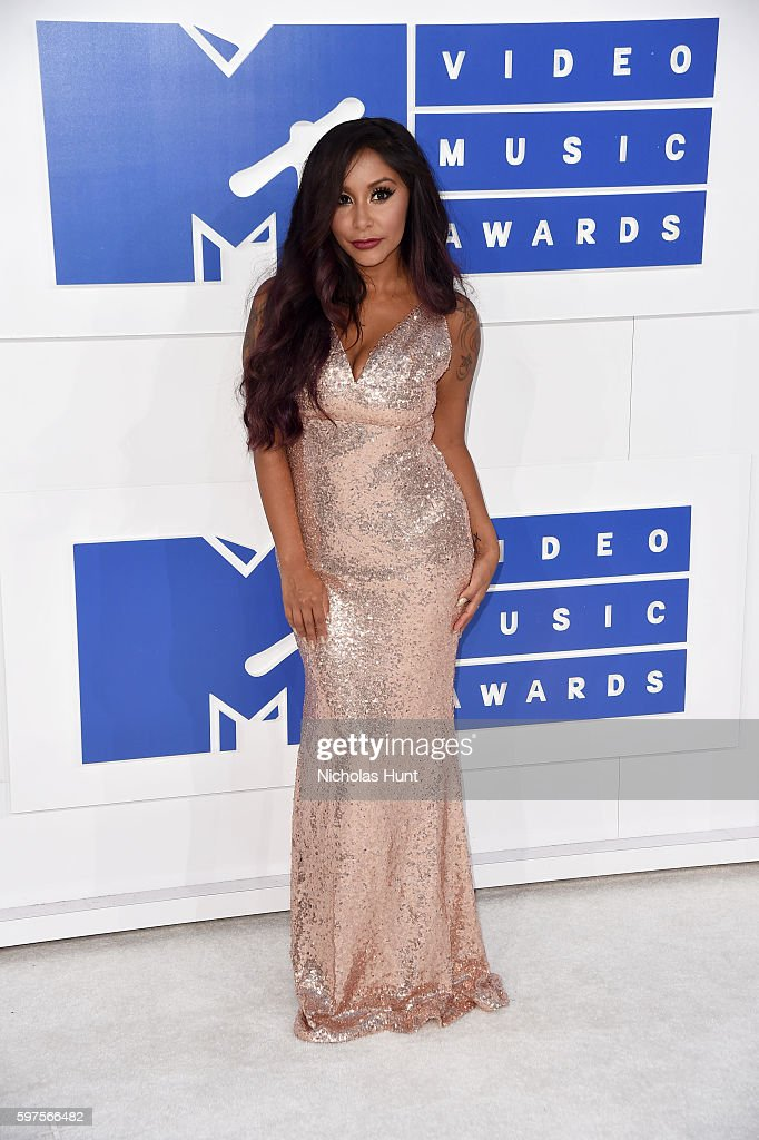 TV personality Nicole 'Snooki' Polizzi attends the 2016 MTV Video Music Awards at Madison Square Garden on August 28 2016 in New York City