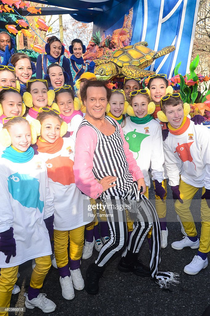 TV personality <a gi-track='captionPersonalityLinkClicked' href=/galleries/search?phrase=Richard+Simmons&family=editorial&specificpeople=228501 ng-click='$event.stopPropagation()'>Richard Simmons</a> attends the 87th Annual Macy's Thanksgiving Day Parade on November 28, 2013 in New York City.