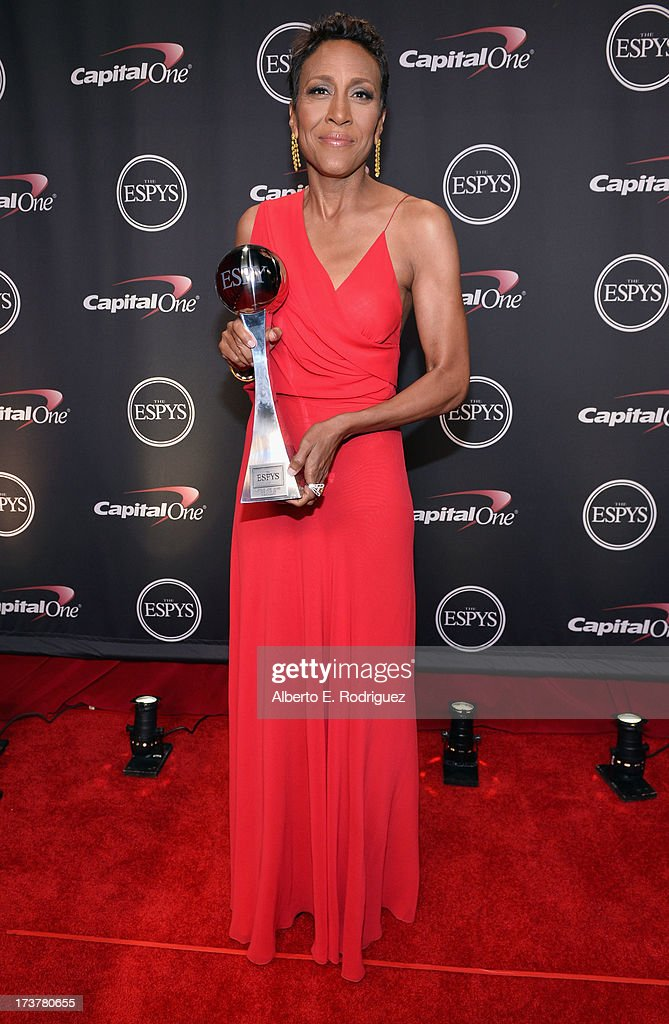 TV personality Robin Roberts, recipient of the Arthur Ashe Courage Award, poses backstage at The 2013 ESPY Awards at Nokia Theatre L.A. Live on July 17, 2013 in Los Angeles, California.