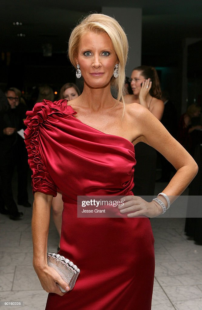 TV personality <a gi-track='captionPersonalityLinkClicked' href=/galleries/search?phrase=Sandra+Lee+-+Television+Personality&family=editorial&specificpeople=242799 ng-click='$event.stopPropagation()'>Sandra Lee</a> attends the 36th Annual Daytime Emmy Awards after party on August 30, 2009 in Los Angeles, California.