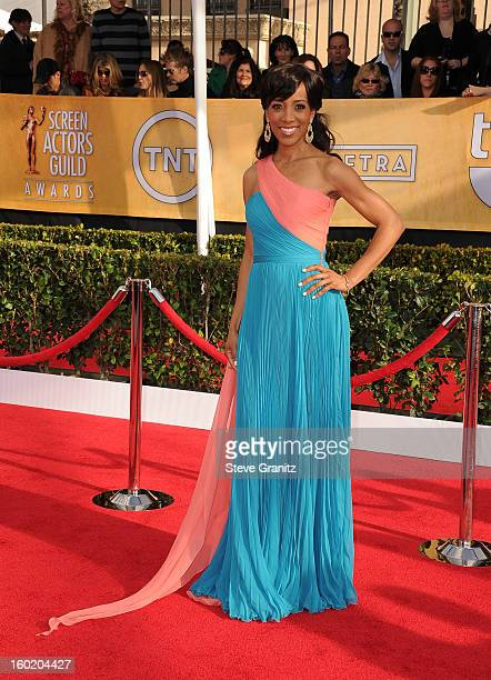 TV personality Shaun Robinson arrives at the 19th Annual Screen Actors Guild Awards held at The Shrine Auditorium on January 27 2013 in Los Angeles...