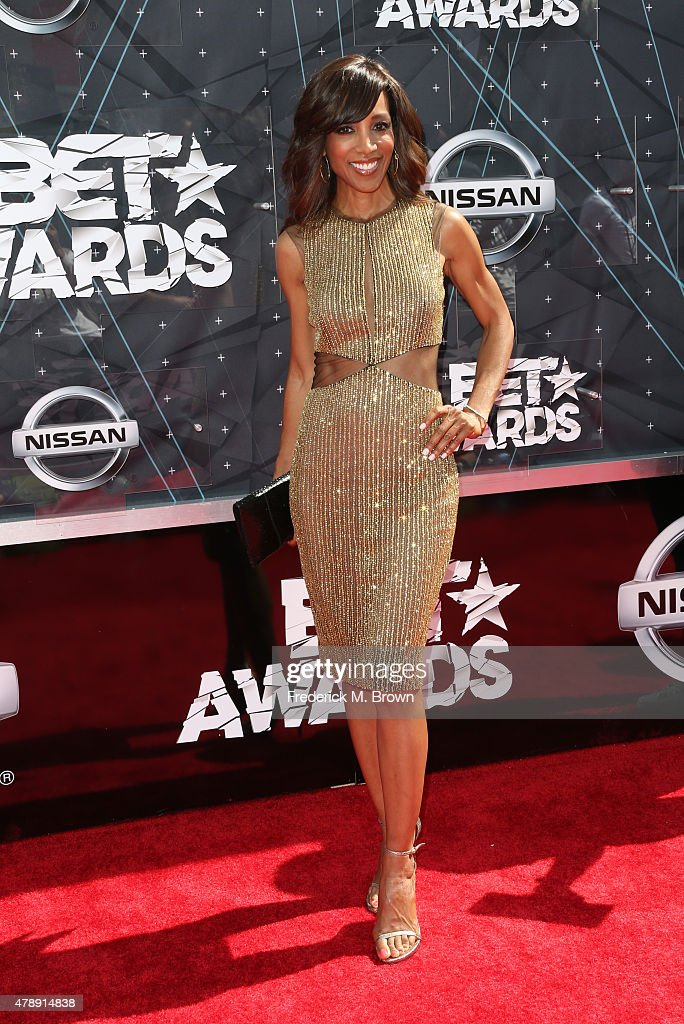 TV personality <a gi-track='captionPersonalityLinkClicked' href=/galleries/search?phrase=Shaun+Robinson&family=editorial&specificpeople=209263 ng-click='$event.stopPropagation()'>Shaun Robinson</a> attends the 2015 BET Awards at the Microsoft Theater on June 28, 2015 in Los Angeles, California.