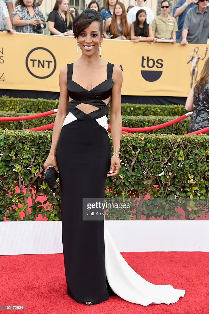 TV personality <a gi-track='captionPersonalityLinkClicked' href=/galleries/search?phrase=Shaun+Robinson&family=editorial&specificpeople=209263 ng-click='$event.stopPropagation()'>Shaun Robinson</a> attends the 21st Annual Screen Actors Guild Awards at The Shrine Auditorium on January 25, 2015 in Los Angeles, California.