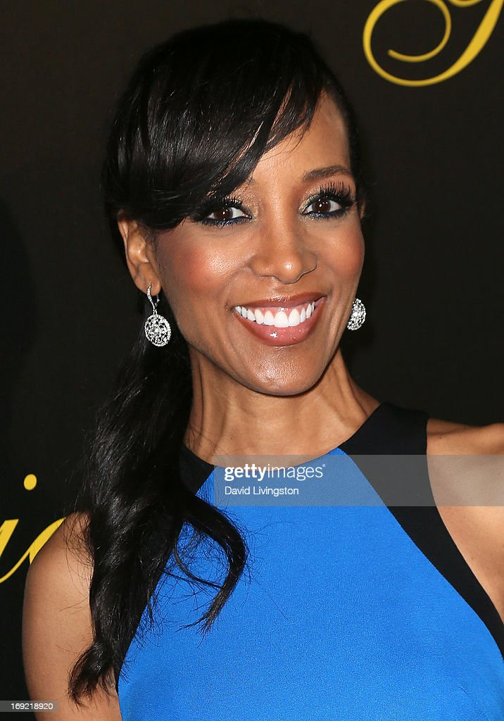 TV personality Shaun Robinson attends the 38th Annual Gracie Awards Gala at The Beverly Hilton Hotel on May 21, 2013 in Beverly Hills, California.