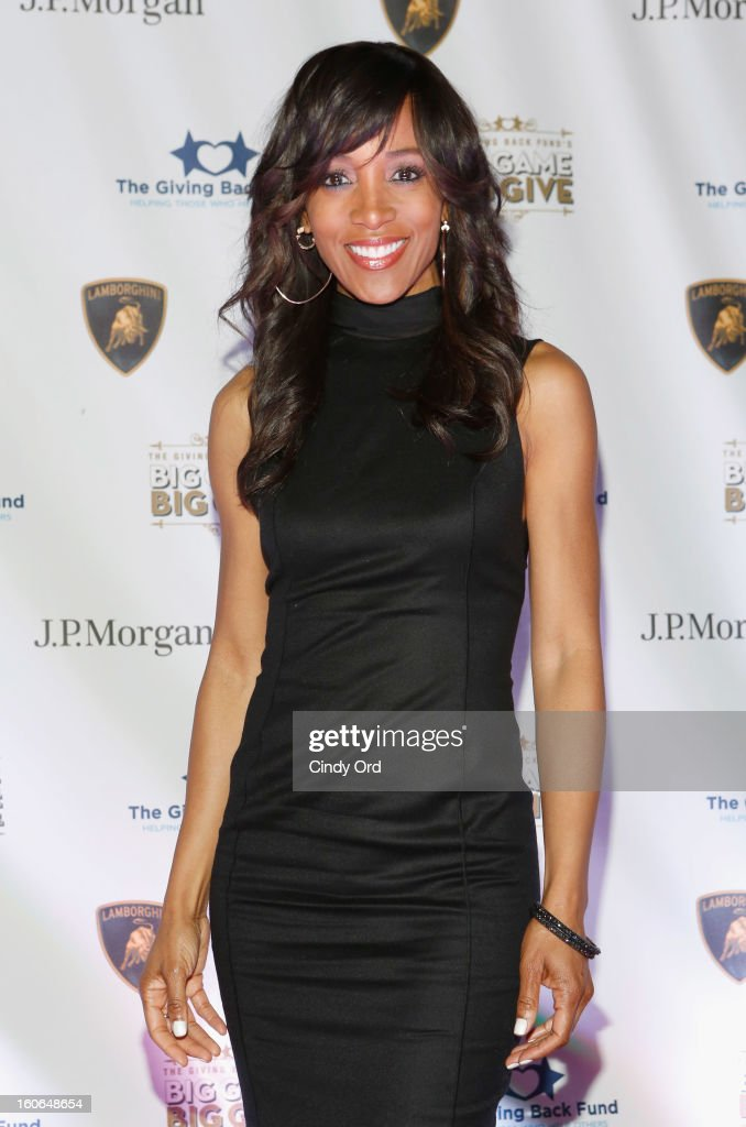 TV personality Shaun Robinson attends The Giving Back Fund's 4th Annual Big Game Big Give Super Bowl Celebration on February 2, 2013 in New Orleans, Louisiana.