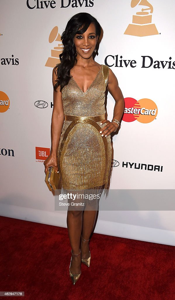 TV personality <a gi-track='captionPersonalityLinkClicked' href=/galleries/search?phrase=Shaun+Robinson&family=editorial&specificpeople=209263 ng-click='$event.stopPropagation()'>Shaun Robinson</a> attends the Pre-GRAMMY Gala and Salute To Industry Icons honoring Martin Bandier on February 7, 2015 in Los Angeles, California.