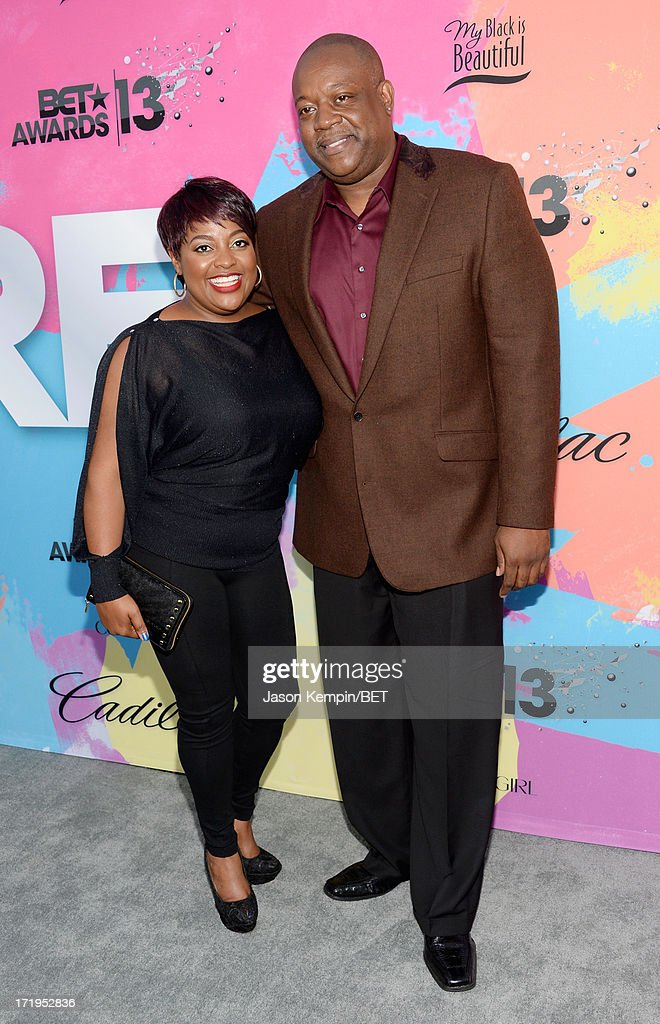 TV personality <a gi-track='captionPersonalityLinkClicked' href=/galleries/search?phrase=Sherri+Shepherd&family=editorial&specificpeople=693379 ng-click='$event.stopPropagation()'>Sherri Shepherd</a> (L) and <a gi-track='captionPersonalityLinkClicked' href=/galleries/search?phrase=Lamar+Sally&family=editorial&specificpeople=7163503 ng-click='$event.stopPropagation()'>Lamar Sally</a> attend Debra Lee's Pre-BET Awards Celebration Dinner at Milk Studios on June 29, 2013 in Los Angeles, California.