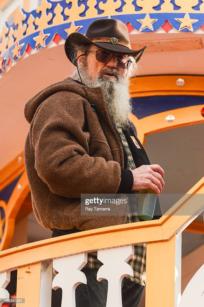 TV personality Silas Merritt 'Si' Robertson attends the 87th Annual Macy's Thanksgiving Day Parade on November 28, 2013 in New York City.