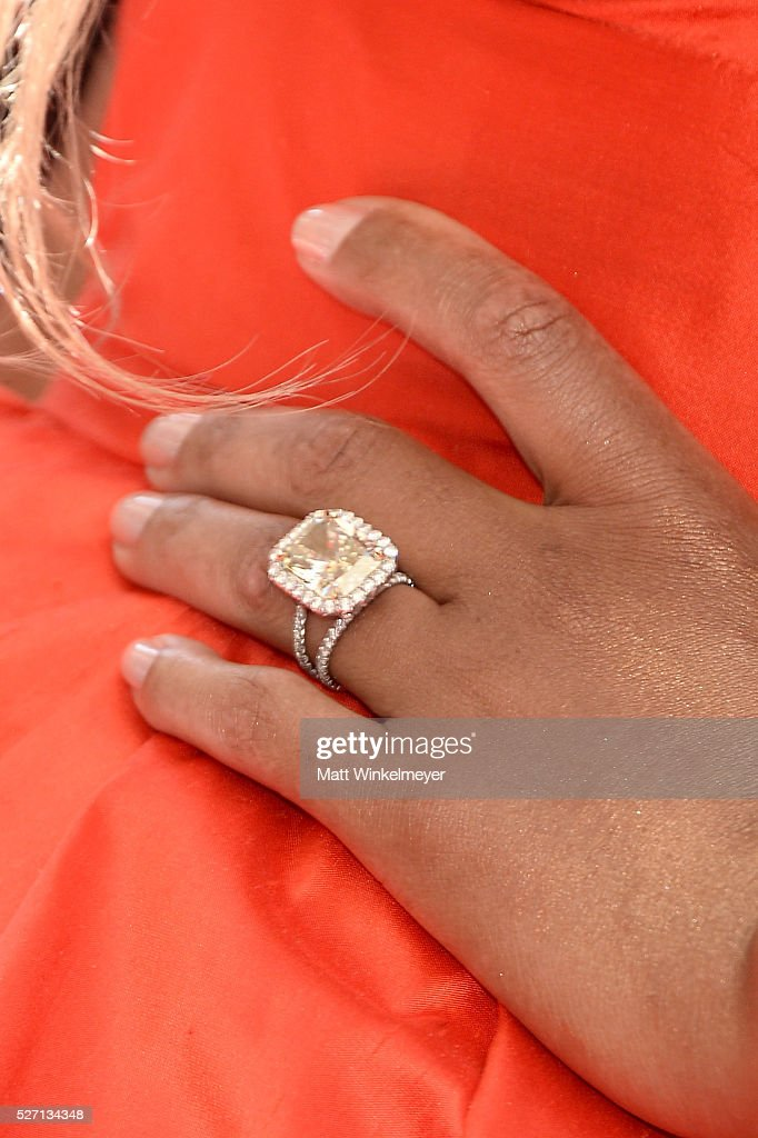 TV personality <a gi-track='captionPersonalityLinkClicked' href=/galleries/search?phrase=Tamar+Braxton&family=editorial&specificpeople=2079619 ng-click='$event.stopPropagation()'>Tamar Braxton</a> (jewelry detail) walks the red carpet at the 43rd Annual Daytime Emmy Awards at the Westin Bonaventure Hotel on May 1, 2016 in Los Angeles, California.