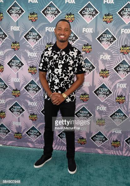 personality-terrence-j-attends-teen-choice-awards-2016-at-the-forum-picture-id584902948