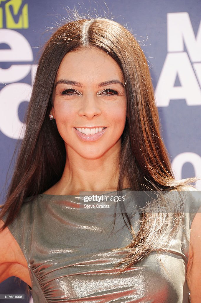 TV Personality <a gi-track='captionPersonalityLinkClicked' href=/galleries/search?phrase=Terri+Seymour&family=editorial&specificpeople=226697 ng-click='$event.stopPropagation()'>Terri Seymour</a> arrives at the 2011 MTV Movie Awards at Universal Studios' Gibson Amphitheatre on June 5, 2011 in Universal City, California.
