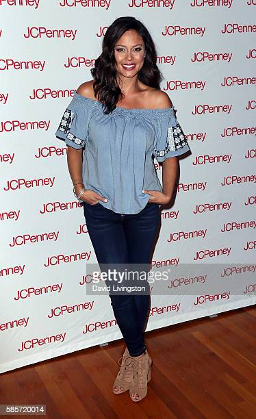 TV personality Vanessa Lachey attends JCPenney's Back to School community event at the Hollywood YMCA on August 3 2016 in Los Angeles California