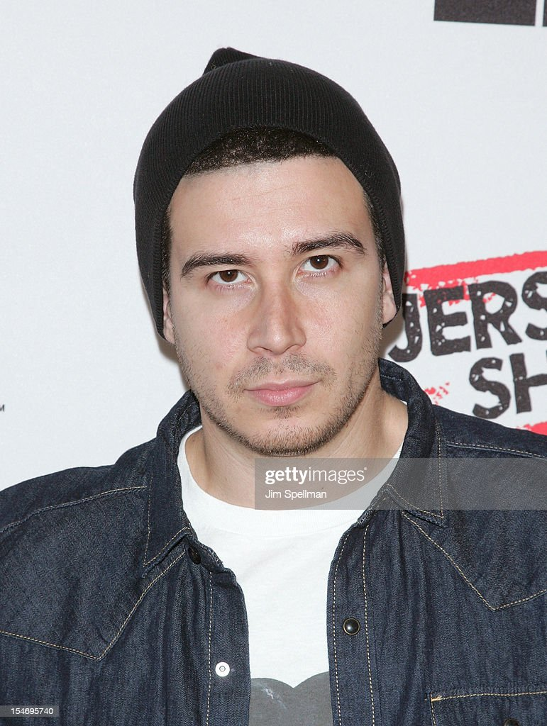 TV Personality <a gi-track='captionPersonalityLinkClicked' href=/galleries/search?phrase=Vinny+Guadagnino&family=editorial&specificpeople=6693900 ng-click='$event.stopPropagation()'>Vinny Guadagnino</a> attend 'Love, Loss, (Gym, Tan) and Laundry: A Farewell To The Jersey Shore' during the 2012 New York Television Festival at 92Y Tribeca on October 24, 2012 in New York City.