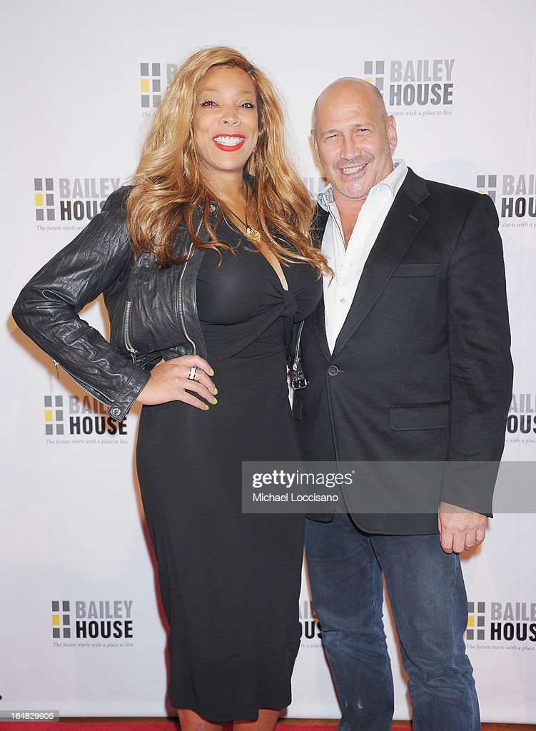 TV Personality <a gi-track='captionPersonalityLinkClicked' href=/galleries/search?phrase=Wendy+Williams&family=editorial&specificpeople=4134023 ng-click='$event.stopPropagation()'>Wendy Williams</a> and designer Carmen Marc Valvo attend the Bailey House 30th Anniversary Gala at Pier 60 on March 28, 2013 in New York City.