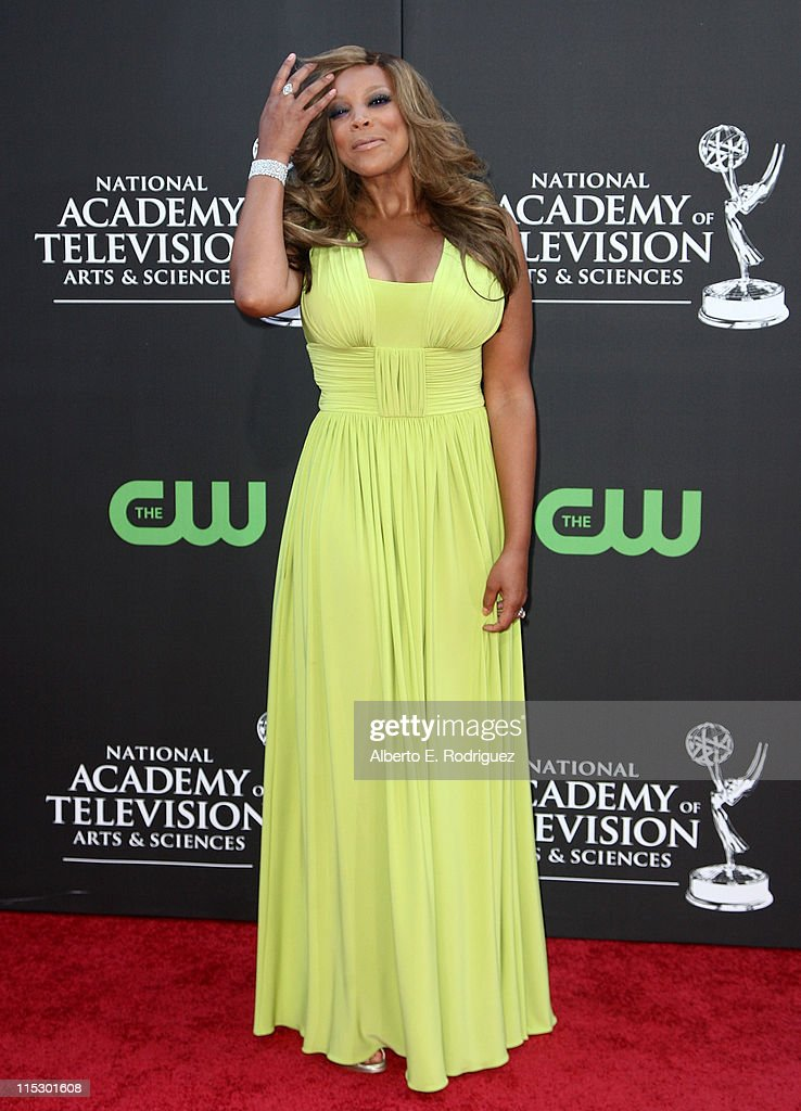 TV personality <a gi-track='captionPersonalityLinkClicked' href=/galleries/search?phrase=Wendy+Williams&family=editorial&specificpeople=4134023 ng-click='$event.stopPropagation()'>Wendy Williams</a> arrives at the 36th Annual Daytime Emmy Awards at The Orpheum Theatre on August 30, 2009 in Los Angeles, California.